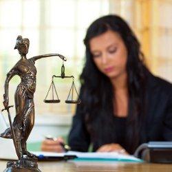 юрист, консультирующий граждан бесплатно